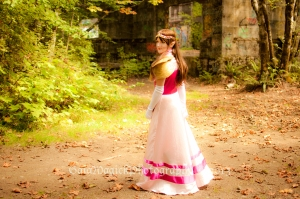 Gaia Magick Photography, Comox Valley, Glamour and beauty Photography, Fantasy Portraits, Zelda Cosplay, princess Zelda costume, Courtenay Pozzolo