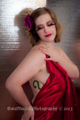 Gaia Magick Photography, Comox Valley, Boudoir portraits, Nicole F, Chrystal Rossler, Valentine's Gifts for him, feel good about yourself