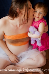 Gaia Magick Photography, Comox Valley Maternity photography, Glamour portraits, Chrystal Rossler, Coral Taylor